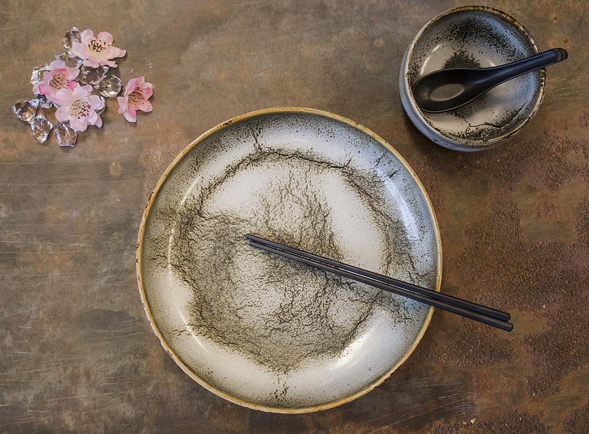 Nuka glaze 27 cm plate - by Studio RAW